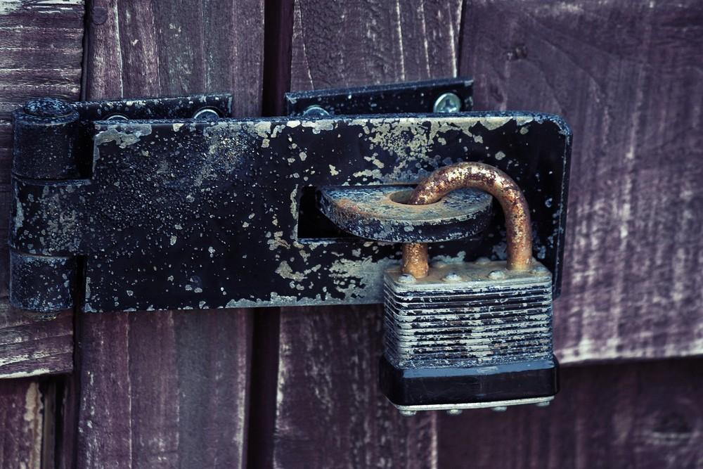 空き家に掛かった鍵